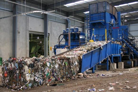 Процесс сжигания прессованного мусора