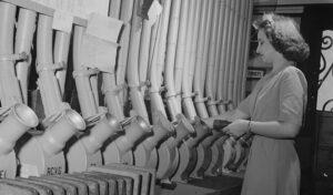 Сеть пневмо труб для транспортировки почтовых капсул